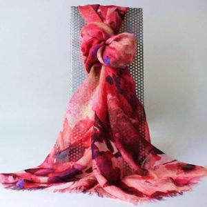 Pashminaschal, Modell Floral Pashminastola, Stola, pink, rot, flieder, rose, Online-Shop, Shop, Accessoires, Pashminashop, edle Schals, edle Stolas,